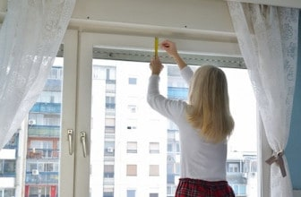 how-to-measure-for-curtains-1